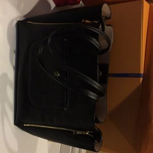 Ann Taylor expandable Black purse